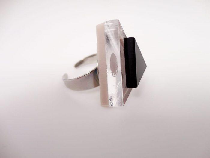 handmade plexiglass ring by plexi shock