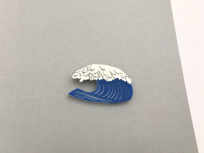 hokusai wave acrylic brooch