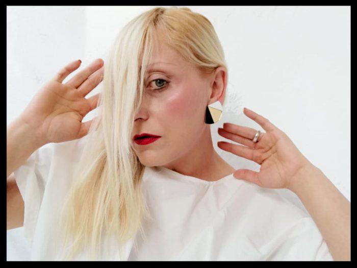 orecchini acrilico bianchi neri
