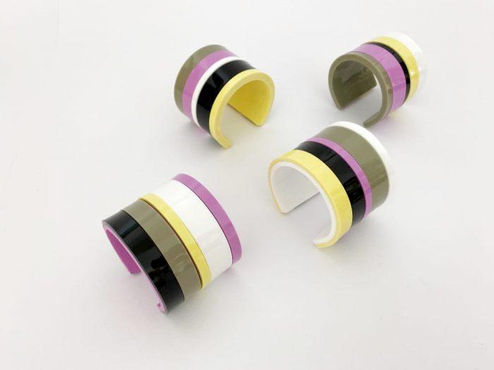 bracciale acrilico strisce coloratissime