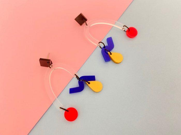 acrylic arc design earrings